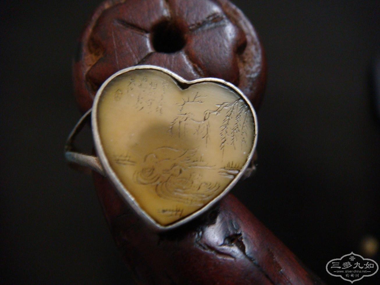 清民时期象牙微雕戒指 凄美的爱情愿望